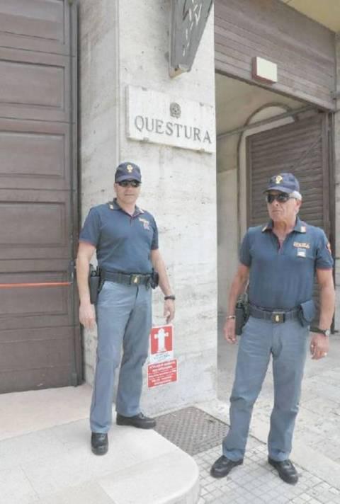 Le nuove divise della polizia quotidiano di - Foto della polizia citazioni ...