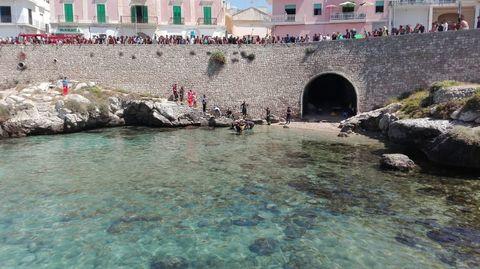 Giallo a Santa Maria al Bagno: il corpo senza vita di un uomo ...